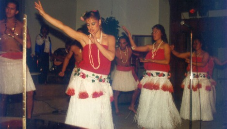 Maori girls during program