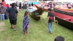 Playing jump rope with tie-up of a canoe