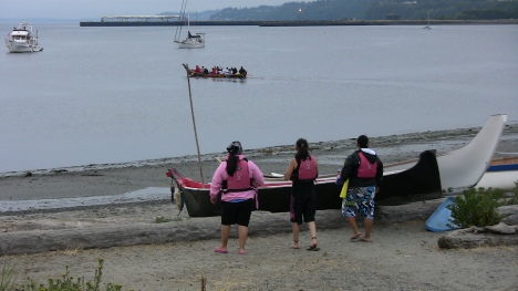 Pullers will soon board their canoe and follow